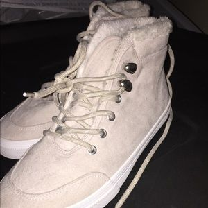 FAUX FUR SNEAKERS AMAZING CONDITION
